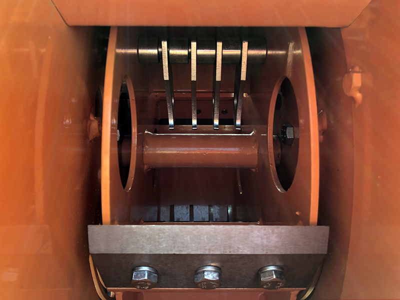 2-blades-8-hammers-dk-1300-en