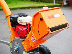 broyeur de branches thermique dk 800 lf à tambour moteur 15cv