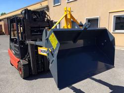 godet 2 mètres pour chariot élévateur basculement hydraulique mod pri 200 hm