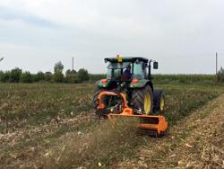 broyeur d accotement à marteaux alce 160 pour tracteur