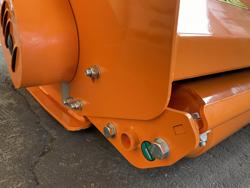 broyeur à marteaux pour tracteur fruitier mod jaguar 150