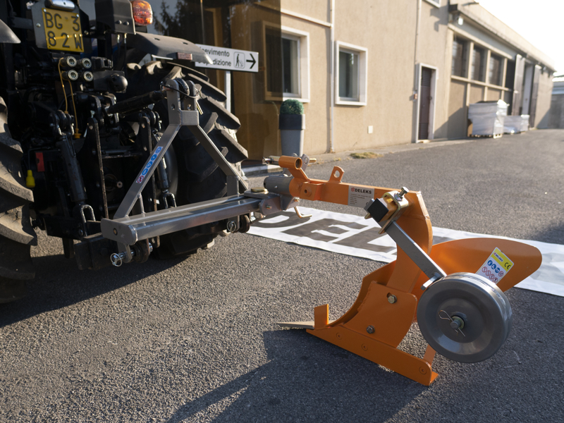 charrue-simple-dp-35-pour-tracteur-avec-réglage-de-l-inclinaison