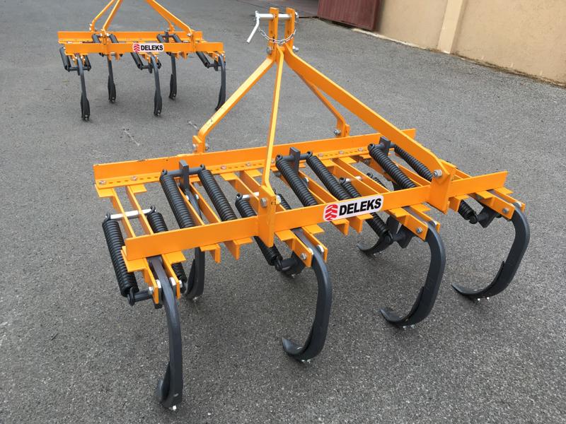 cultivateur-7-dents-pour-tracteur-largeur-140cm-pour-préparation-du-sol-mod-de-140-7