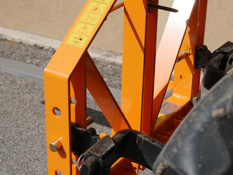lève-palettes-pour-tracteur-d-700