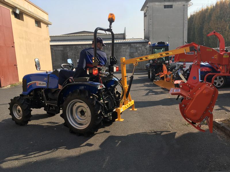 grue-hydraulique-pour-micro-tracteurs-comme-kubota-iseki-mod-el-200