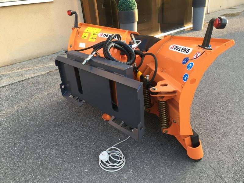 lame-à-neige-étrave-pour-chargeurs-compacts-lnv-180-m