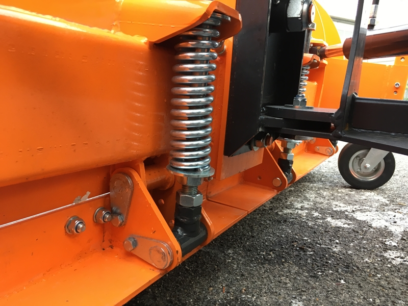 lame-à-neige-avec-attelage-3-points-pour-tracteur-ssh-04-2-2-c