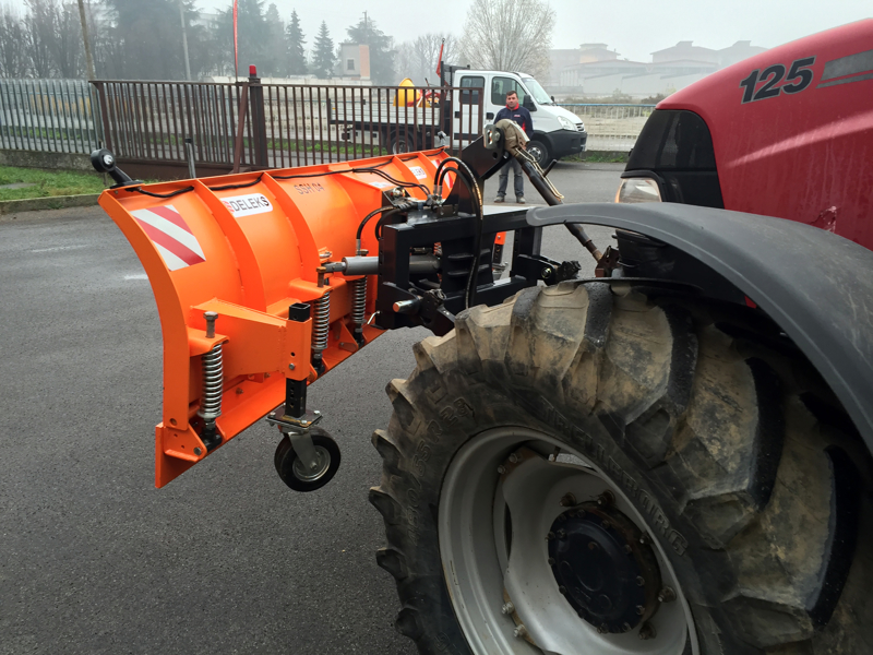 lame-à-neige-avec-attelage-3-points-pour-tracteur-ssh-04-3-0-c
