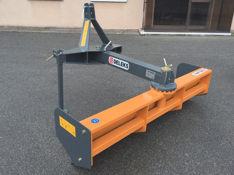 lame-niveleuse-déportable-robuste-pour-tracteur-mod-ddl-200