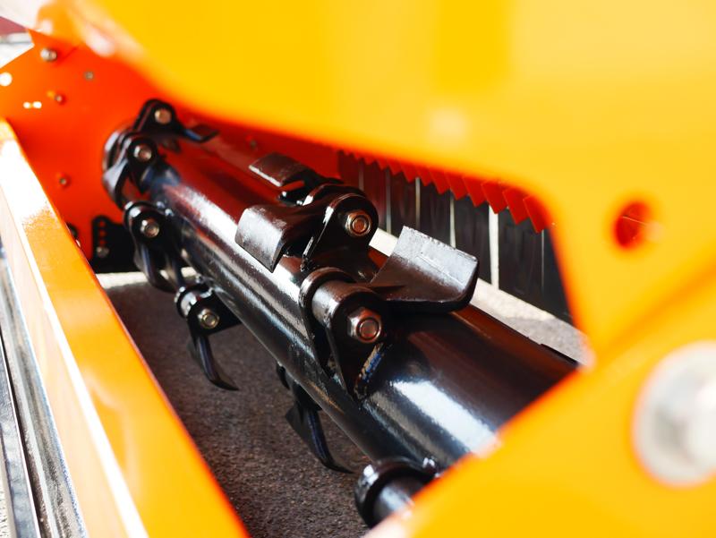 broyeur-d-accotement-à-marteaux-alce-180-avec-boitier-extérieur