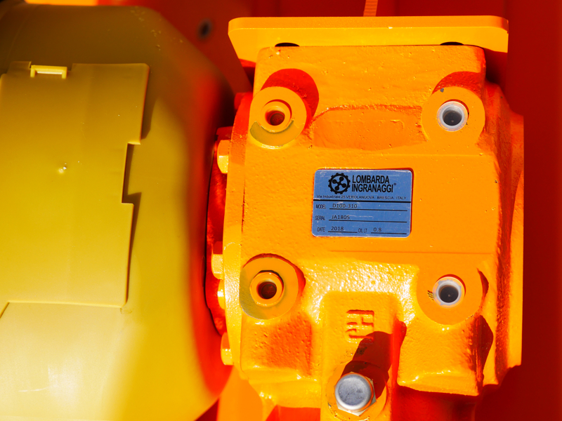 broyeur-à-marteaux-léger-lynx-100-porté-pour-verger-et-vignoble