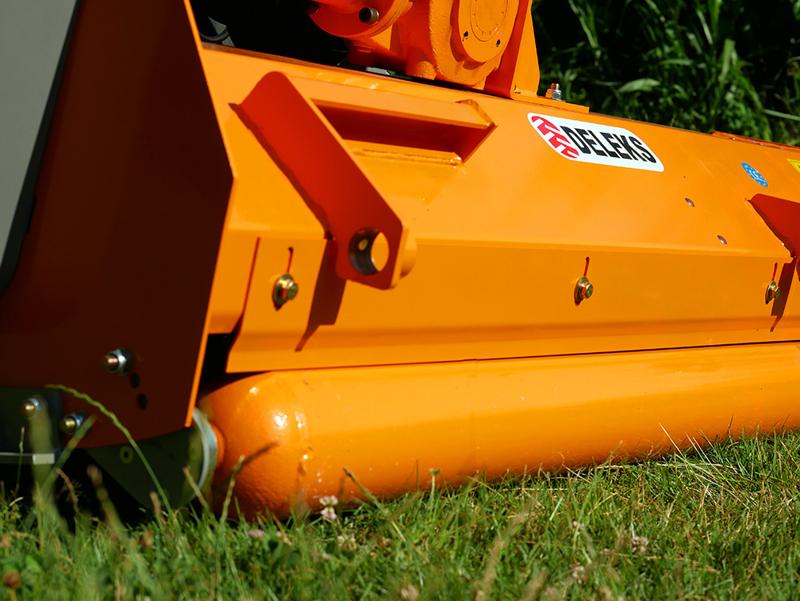 broyeur-déportable-à-marteaux-puma-160-pour-tracteur-type-renault
