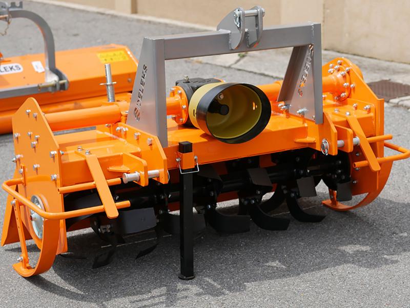 fraise-rotative-lourde-pour-tracteur-série-professionnelle-modèle-dfh-135