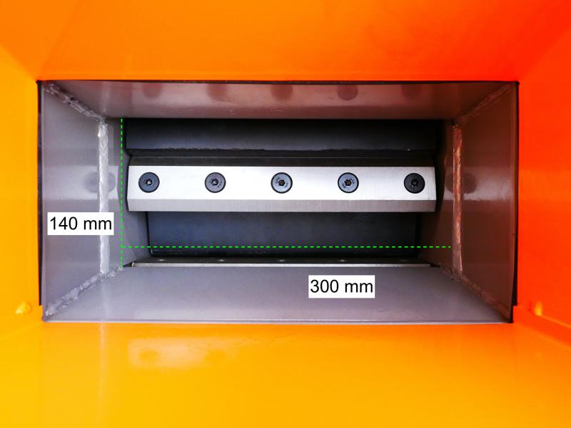 broyeur-de-branches-thermique-dk-800-lf-à-tambour-moteur-15cv