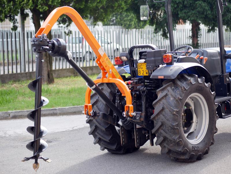 tarrière-pour-attelage-3-points-tracteur-modèle-l-50