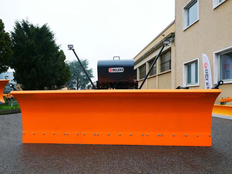 lame-à-neige-lourde-frontale-pour-tracteurs-ssh-04-2-2-a