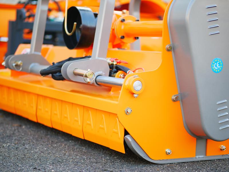 broyeur-à-marteaux-hydraulique-rino-180-pour-résidus-de-taille