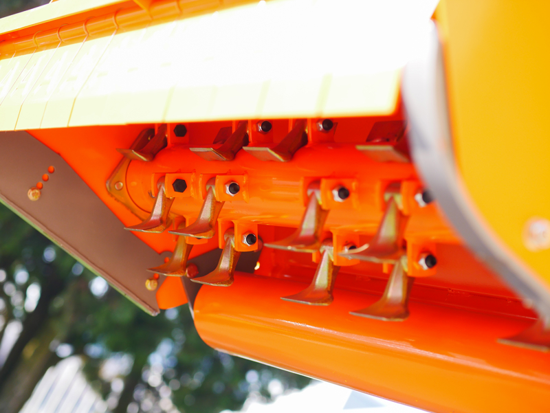 broyeur-à-marteaux-compact-rino-140-pour-tracteur-fruitier