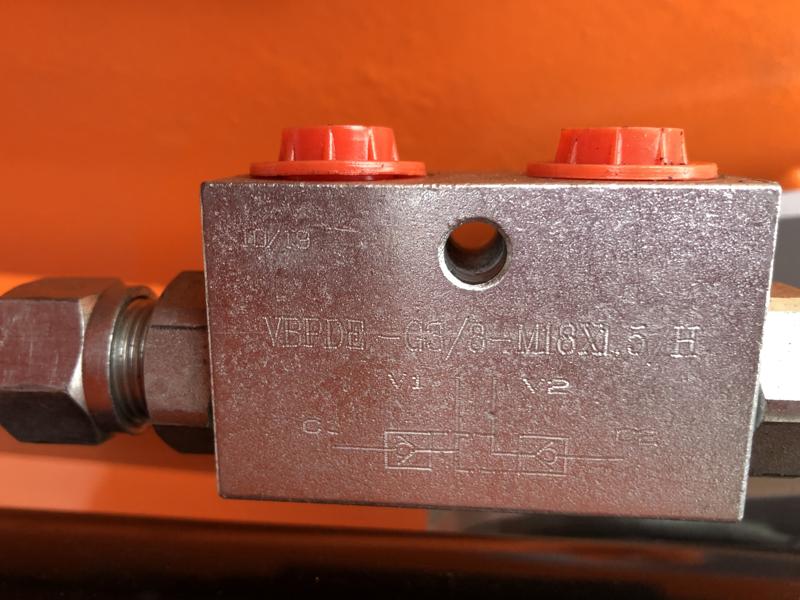 grappin-à-bois-polyvalent-pour-mini-pelles-et-grues-modèle-dk-11-c