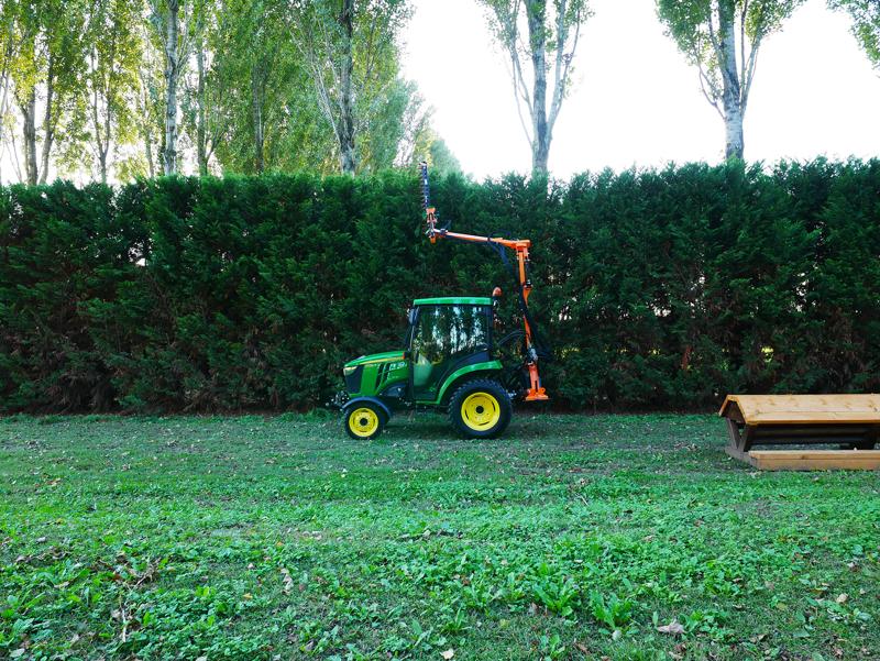 taille-haie-hydraulique-pour-tracteur-à-partir-de-20cv-mod-falco-160-h